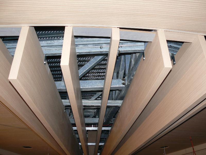 Struttura di sostegno diffusori a soffitto per sala prove a Roma